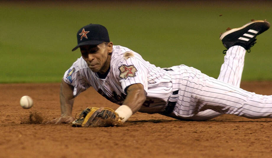 4 — Julio Lugo: Lugo hit .268 with 28 homers and 114 RBIs in three-plus years with the Astros before being released because of an arrest stemming from a domestic dispute. Photo: Christobal Perez, Houston Chronicle / Houston Chronicle