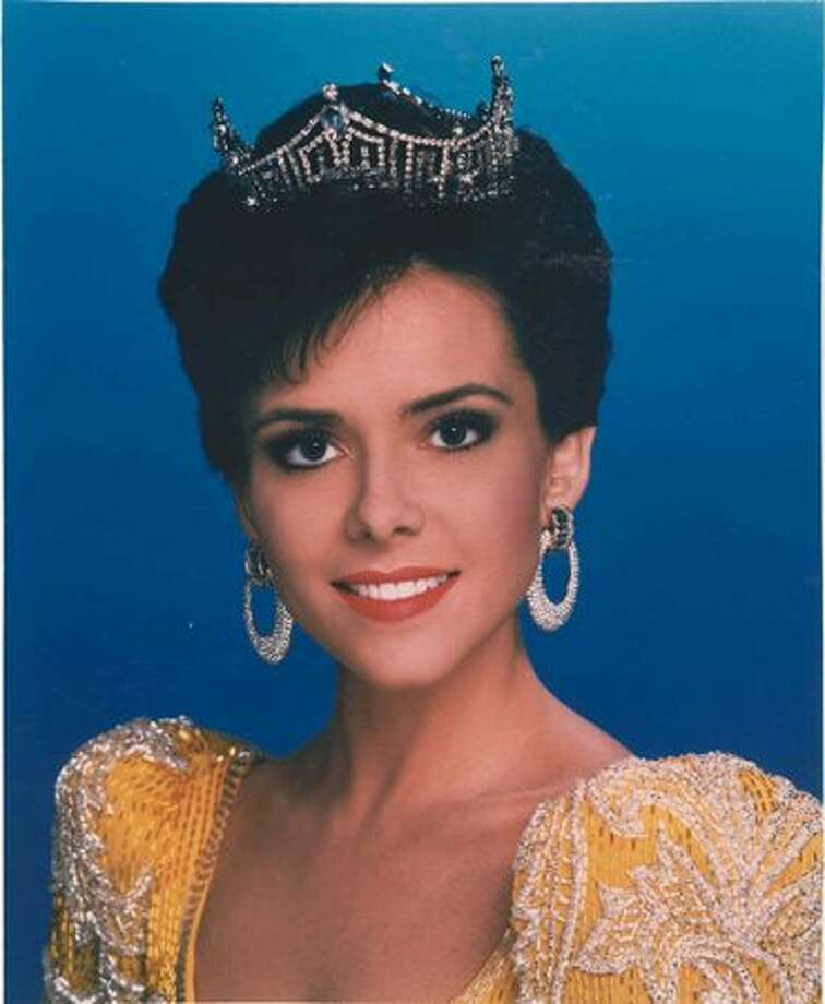 1993: Leanza Cornett, Jacksonville, Fla. Has a career in entertainment journalism. Photo: Miss America Organization