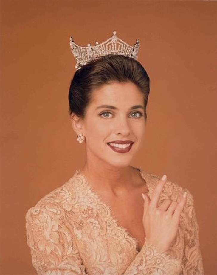 1995: Heather Whitestone, Birmingham, Ala., the first deaf Miss America. Photo: Miss America Organization