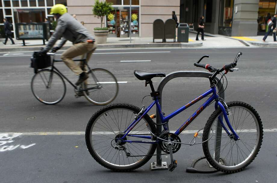 As cycling increases in S.F., a city report estimates that bike thefts went up 70 percent from 2006 to 2012. Photo: Paul Chinn, The Chronicle