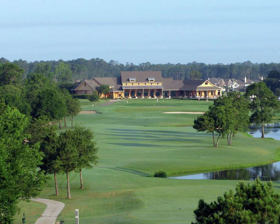The Oakhurst Golf Club, a daily-fee golf course, provides golf-course homesites.