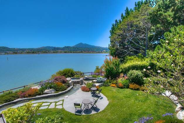 Cliffside san rafael home sits on three lots sfgate for 22 baywood terrace san rafael