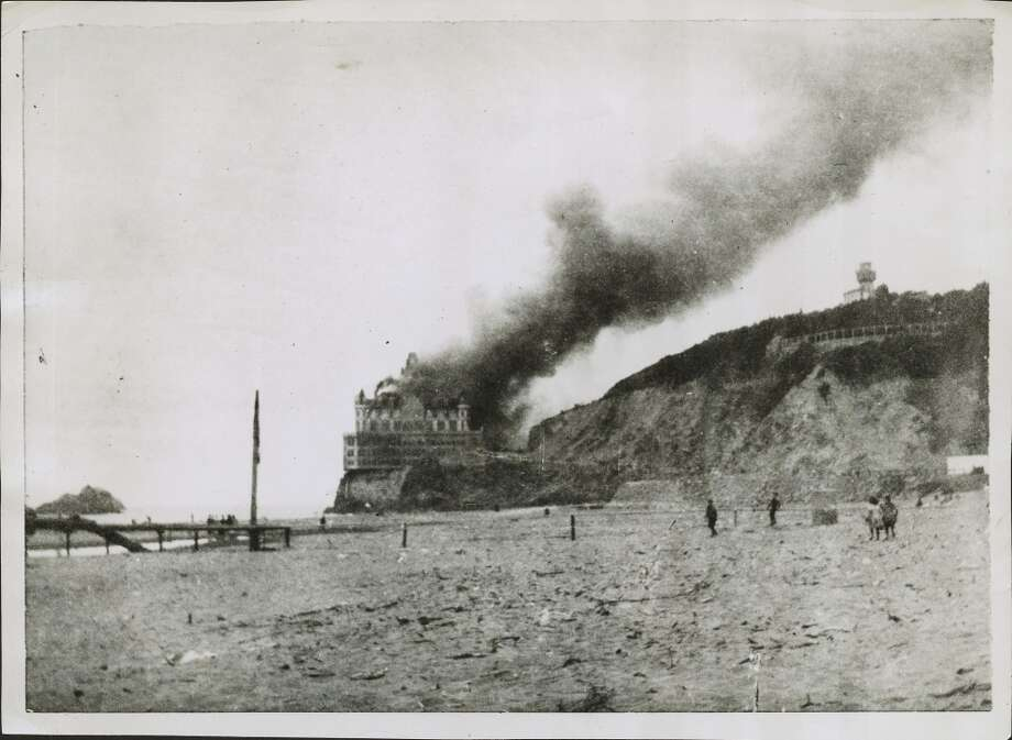 The second Cliff House survived the 1906 earthquake only to be swallowed in flames a year later.