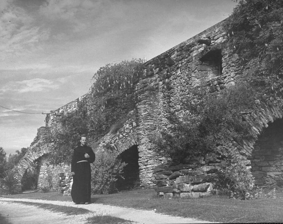 Wall, made of uneven stones around Mission San José on Oct. 1, 1946. Photo: Cornell Capa, Time & Life Pictures / Getty Images / Time Life Pictures