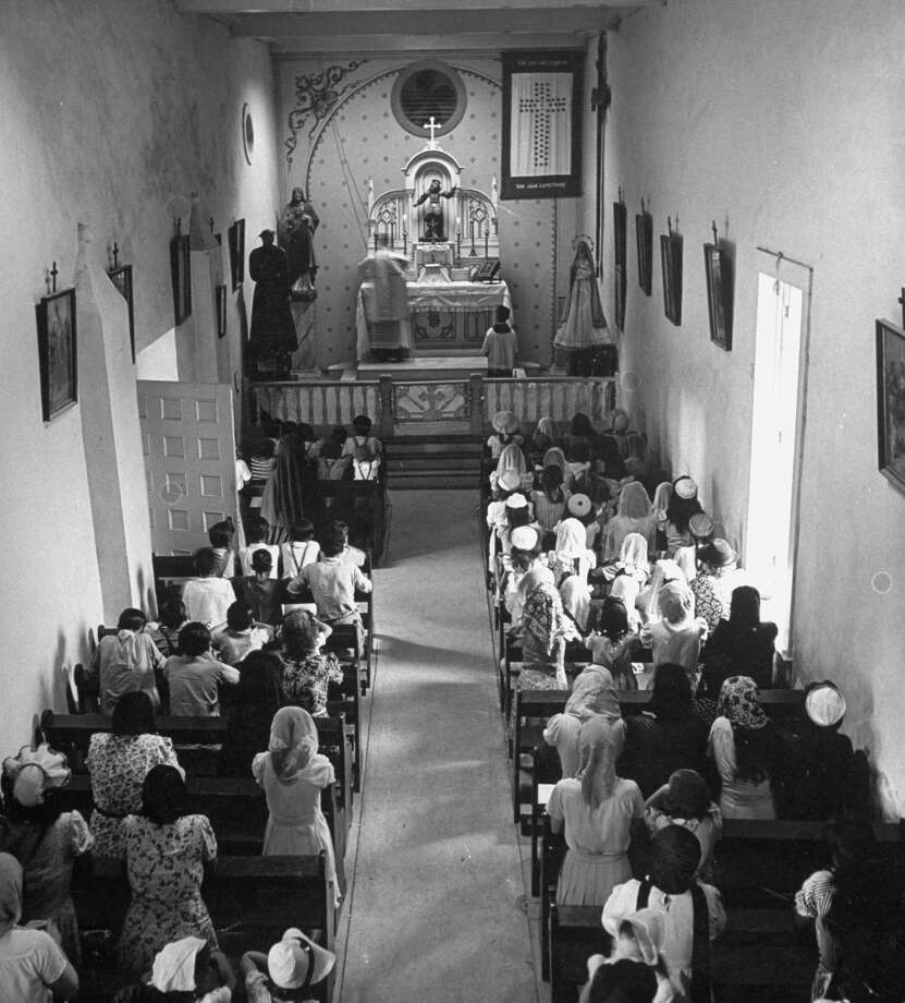 Morning Mass in chapel of Mission San Juan on Dec. 31, 1944. Photo: Alfred Eisenstaedt, Time & Life Pictures / Getty Images / Time & Life Pictures/Getty Images