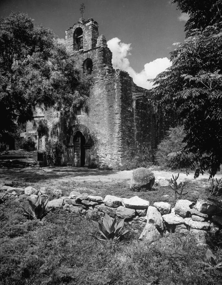Mission Espada on Dec. 31, 1944. Photo: Alfred Eisenstaedt, Time & Life Pictures / Getty Images / Time & Life Pictures/Getty Images