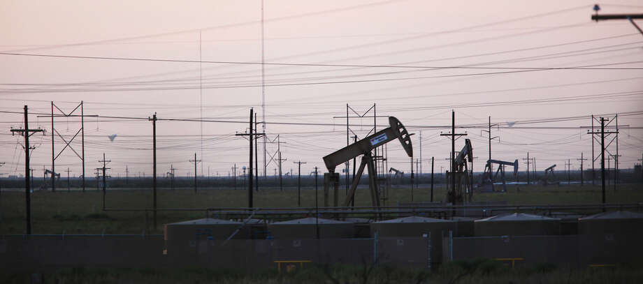 The Permian Basin is in West Texas and parts of New Mexico, and it will figure in Baker Hughes' new well count. Photo: Jerry Lara, Staff / © 2012 San Antonio Express-News