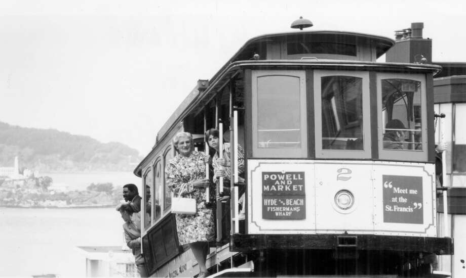 Robin Williams was 'Mrs. Doubtfire' on a cable car and locations all over S.F. Photo: Handout