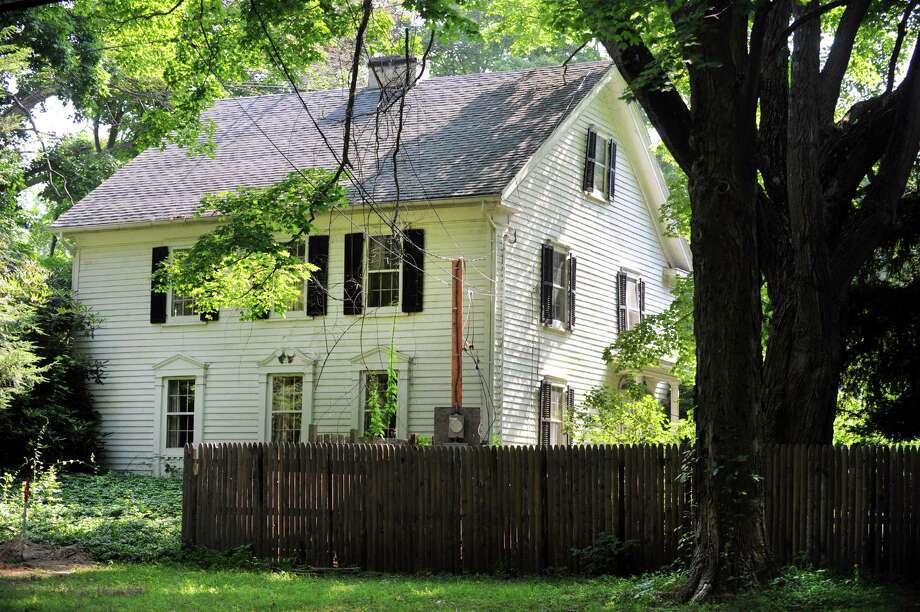 This historic home at 696 Hillside Road in Fairfield, Conn. is slated for demolition Photo: Cathy Zuraw / Connecticut Post