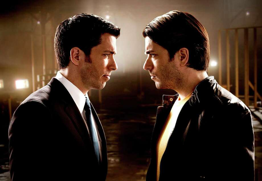 Twin brothers Drew and Jonathan Scott face off in HGTV's Brother vs. Brother, premiering Sunday, June 21. Brother vs. Brother - Season 1 Photo: F. Scott Schafer/BPG, Commissioned Photographer