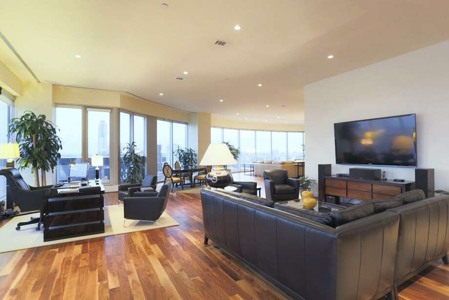 1600 Post Oak 2100