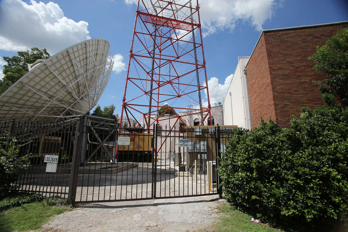 The Univision building will be demolished to make room for an apartment building.