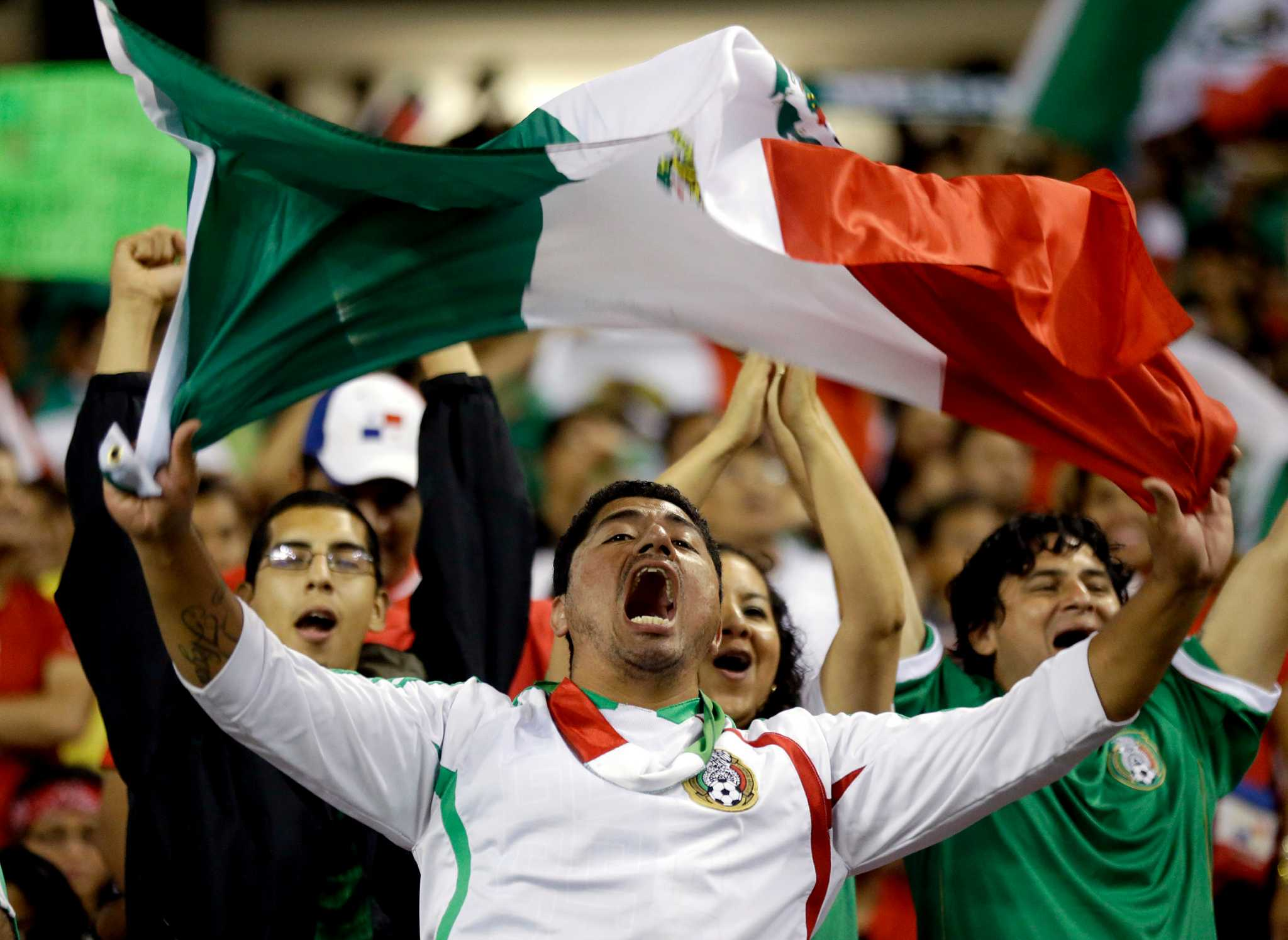 Mexico S Passionate Soccer Fans To Rock Alamodome San