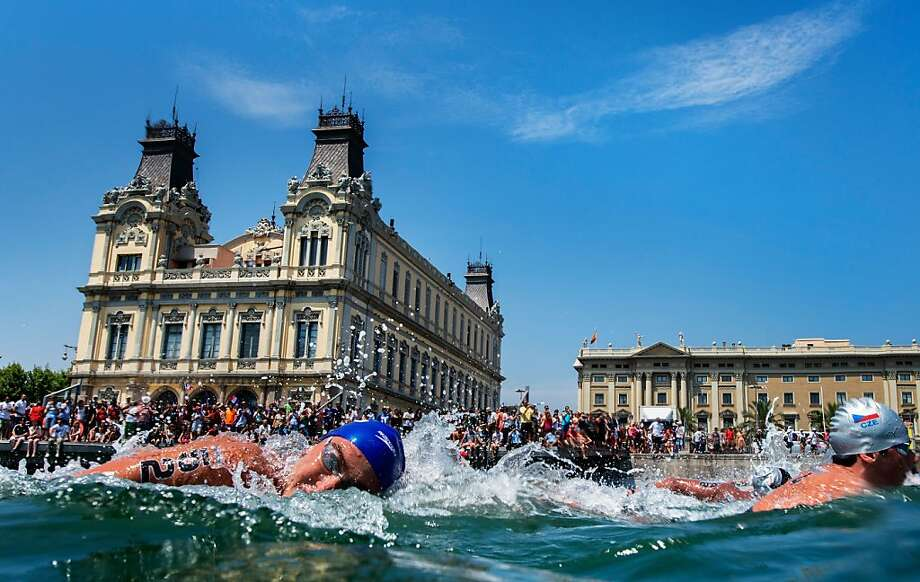 BARCELONA, SPAIN - JULY 20:  Competitors are seen during the Open Water Swimming Men's 5k race on day one of the 15th FINA World Championships at Moll de la Fusta on July 20, 2013 in Barcelona, Spain.  (Photo by Adam Pretty/Getty Images) Photo: Adam Pretty, Getty Images
