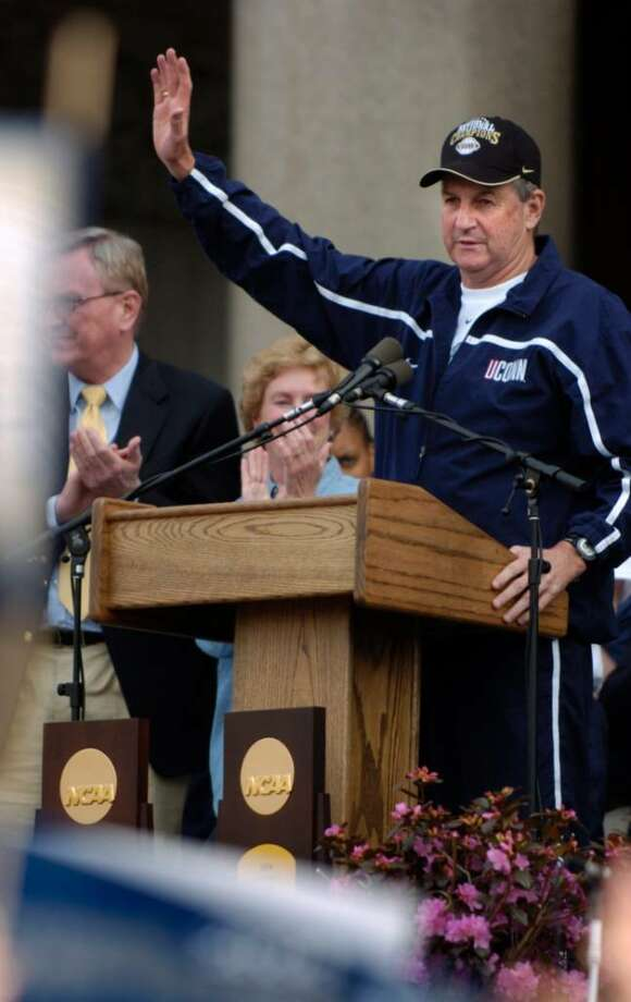 Jim Calhoun, the UConn men's basketball head coach, addresses the crowd at the rally following the Connecticut Champions Parade celebrating the 2004 NCAA basketball men's and women's National Champions from the University of Connecticut in downtown Hartford on Sunday, April 18, 2004. Photo: Chris Preovolos / Stamford Advocate