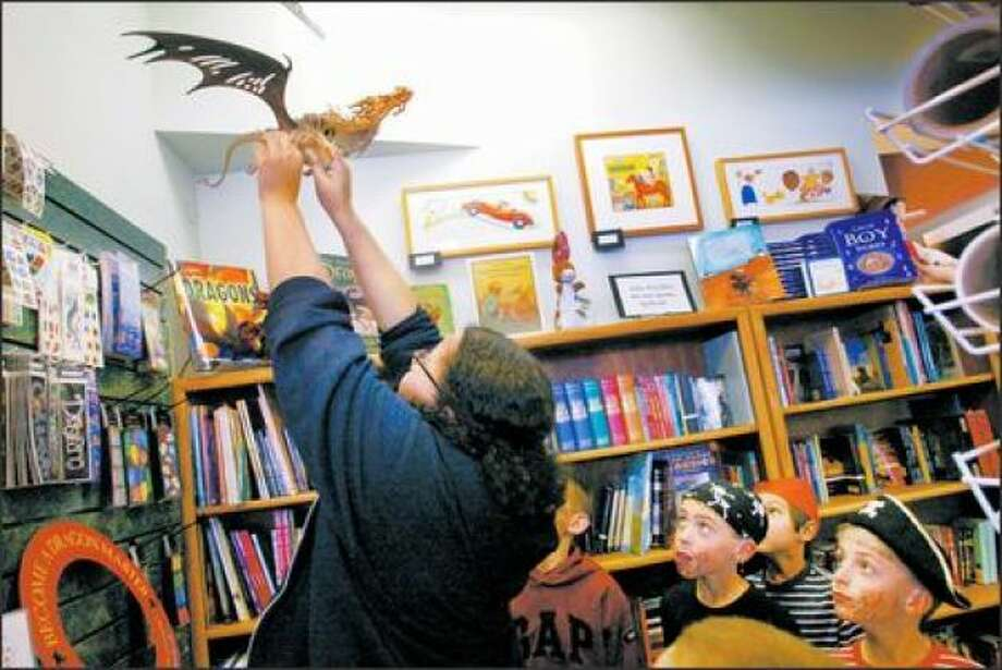 Barnes & Noble's death at U Village followed the closures of some beloved bookstores in Seattle, including that of Kids Books & Music (pictured), which was near U Village and closed in 2008.  Photo: Seattle Post-Intelligencer