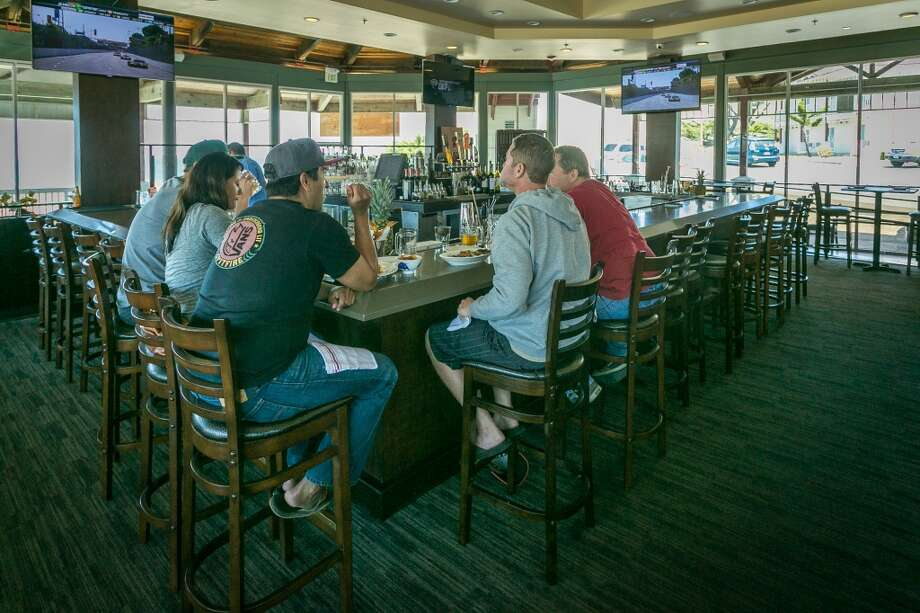 The bar at Puerto 27 in Pacifica.