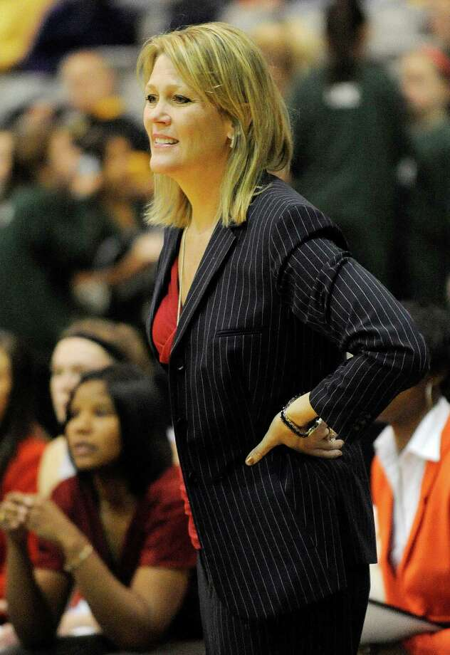 UAlbany head coach Katie Abrahamson-Henderson coaches her players against UMBC's during their America East Conference basketball game in Albany, N.Y., Wednesday, Feb. 6, 2013. (Hans Pennink / Special to the Times Union) College Sports Photo: Hans Pennink / Hans Pennink