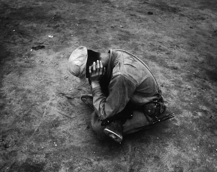 A weary and dispirited survivor of a lost battalion during the Korean War. Photo: Haywood Magee, Getty Images / Picture Post