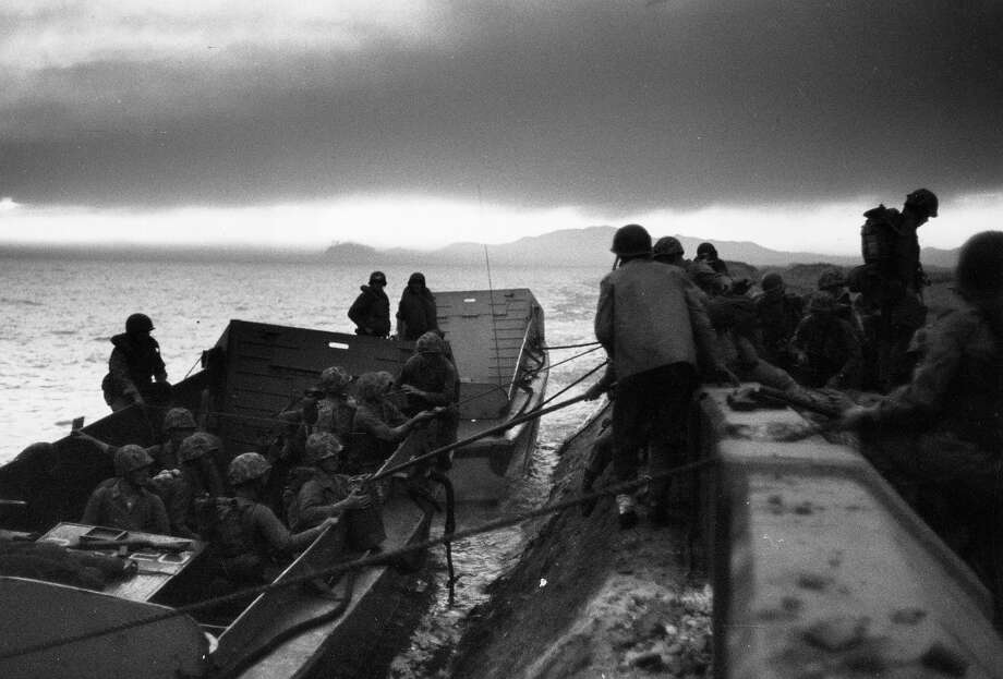 US marines landing at Inchon in South Korea during the first significant counter-strike of the Korean War. Photo: Bert Hardy, Getty Images / Picture Post