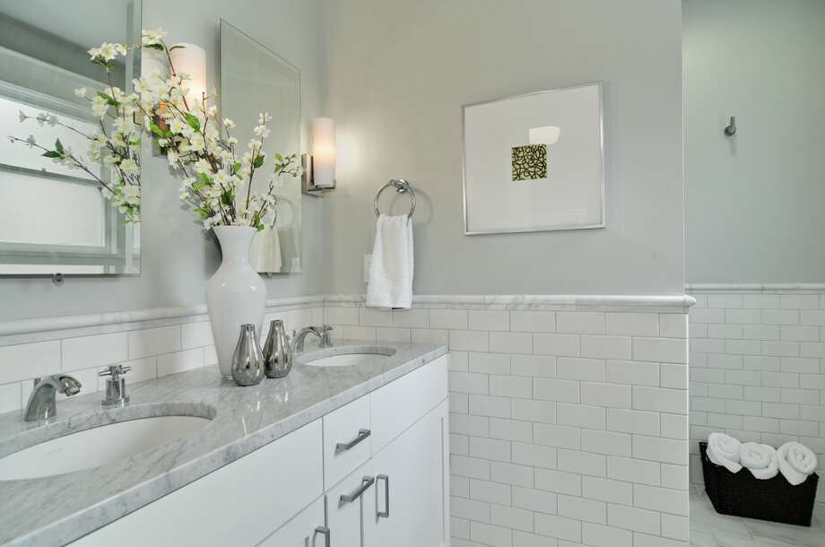 Bathroom of 710 Summit Ave. E. It's listed for $795,000. Photo: Stefan Enriquez, Courtesy John Blacksmith, Lake & Co.