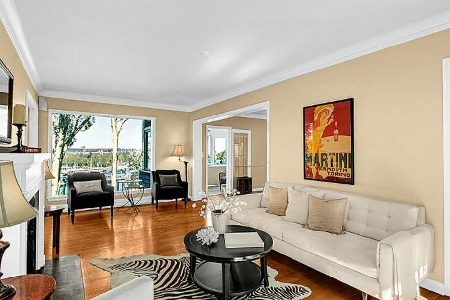 Living room of 2448 Delmar Drive East. It's listed for $799,000. Photo: Courtesy Steve Leland, Windermere Real Estate