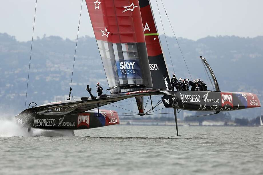 New Zealand beat Luna Rossa by an unofficial time of 7 minutes and 14 seconds. Photo: Ian C. Bates, The Chronicle