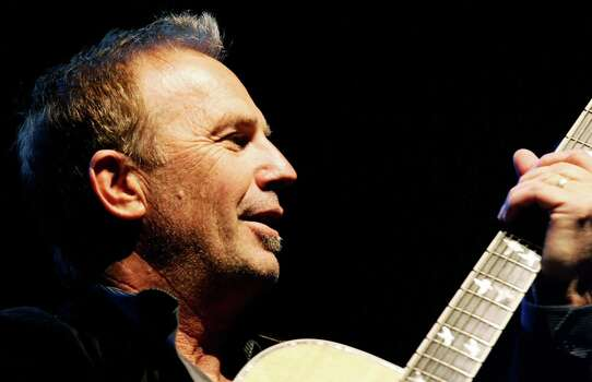 US Kevin Costner and his band perform at Teatro Brancaccio in Rome, 25 October 2007. AFP PHOTO/ Tiziana Fabi (Photo credit should read TIZIANA FABI/AFP/Getty Images) Photo: TIZIANA FABI, Stringer / 2007 AFP
