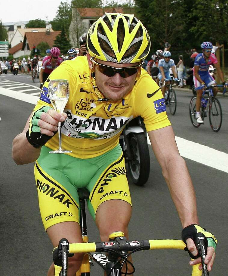 American rider Floyd Landis tested positive for the banned male hormone testosterone, during his 2006 Tour de France triumph and was been found guilty of doping by a U.S. arbitration panel. Photo: STEFANO RELLANDINI, REUTERS / X90016