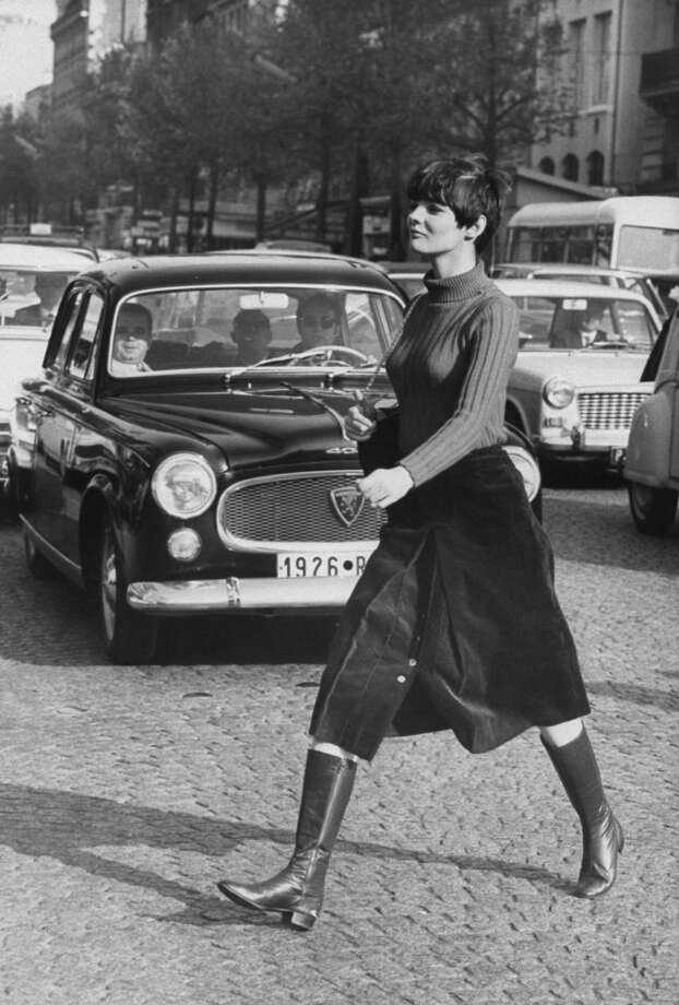 Model Linda Morand wearing maxi length skirt. Photo: Pierre Boulat, Time & Life Pictures/Getty Image