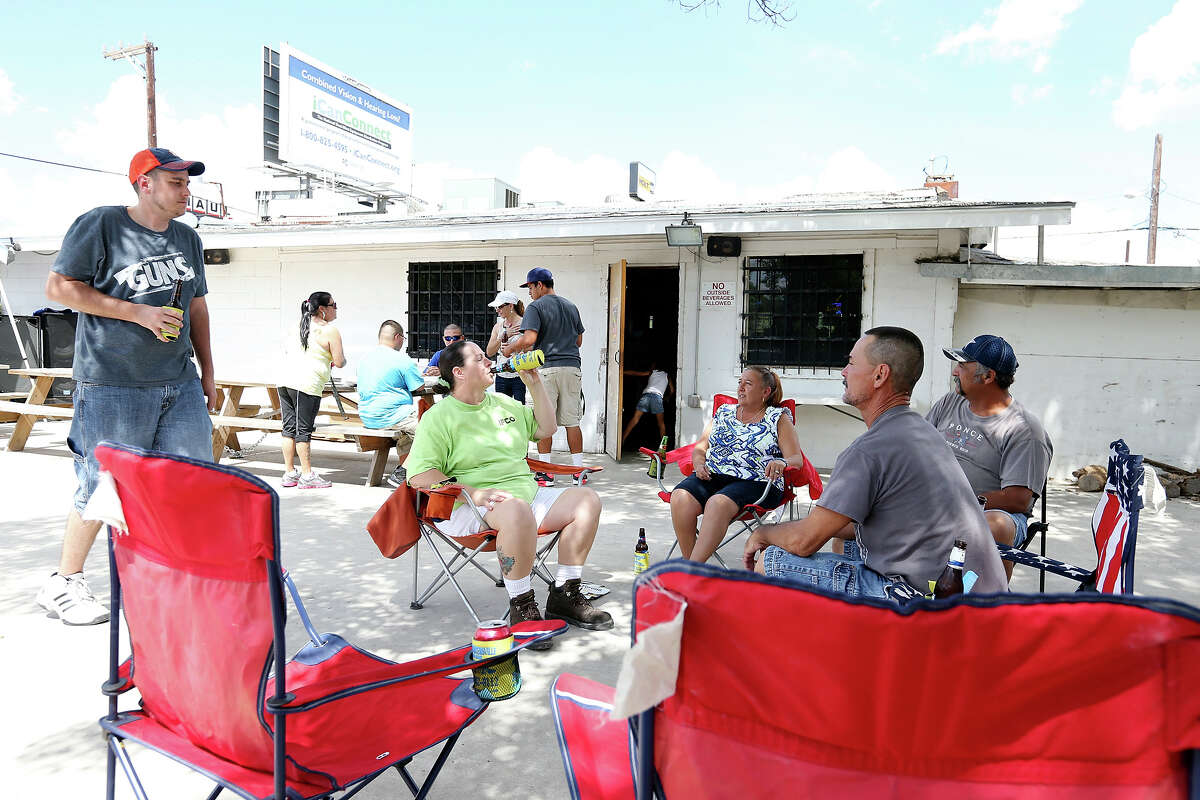 Cowboy Breakfast After Party at Leon's Ice House - 1953 S. W.W. White Road Leon's Ice House is inviting rodeo revelers to hang out with a DJ, billiards, sausage wraps and nachos starting at 10 a.m.