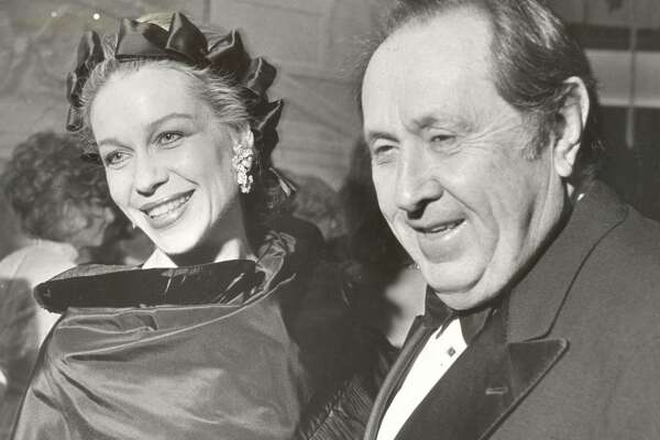 A 1985 photo of Oscar and Lynn Wyatt.