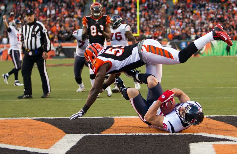 Thomas Howard  Linebacker  Previous team: Cincinnati Bengals  Status: Unrestricted Photo: Smiley N. Pool, Chronicle