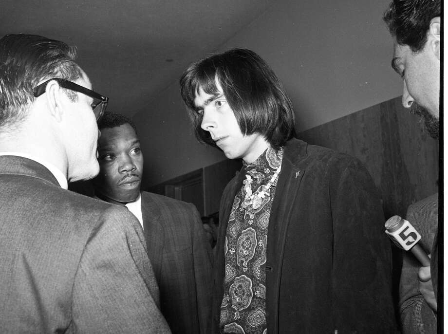 Nov. 6, 1967: Grateful Dead band manager Rock Scully talks to reporters after his rebooking. Scully faced additional charges because he was renting the house. Photo: Barney Peterson, The Chronicle