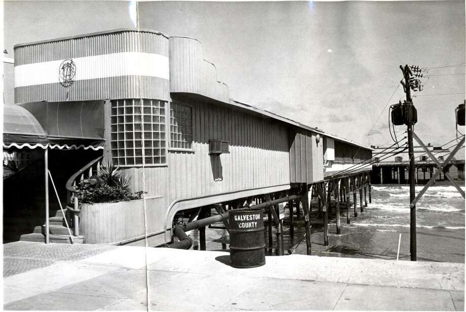06/10/1957 - The Balinese Room at 2107 Seawall Blvd, Galveston.  Owen Johnson / Houston Post Photo: Houston Chronicle Files