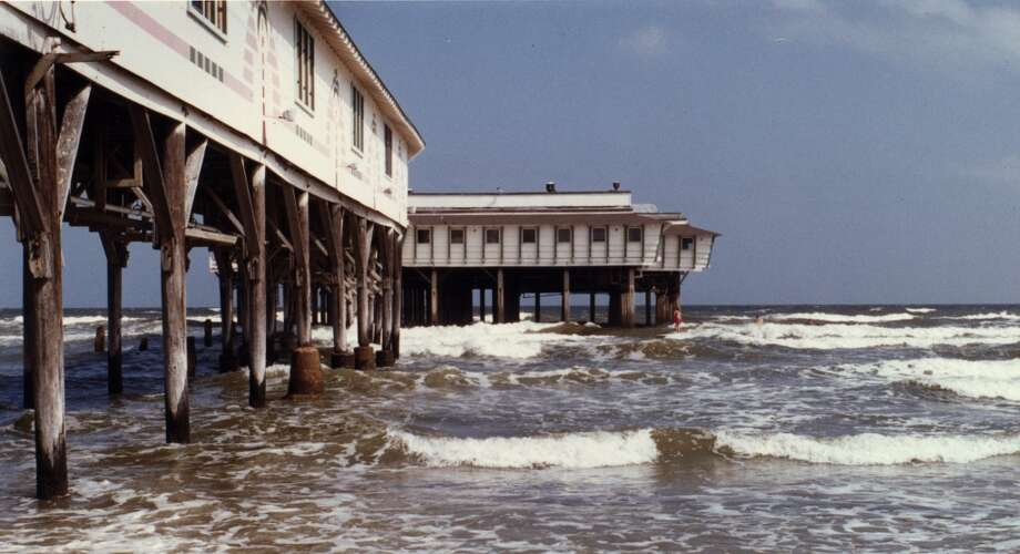 April 26, 1990: The Balinese Room, built in the 1920s on a pier over the Gulf of Mexico, has a new owner. Photo: Houston Chronicle