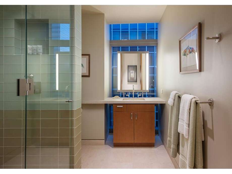 Guest suite bathroom of 715 2nd Ave., Unit 1504. It's listed for $2.7 million. Photo: Courtesy Julie Biniasz, Realogics Sotheby's International Realty
