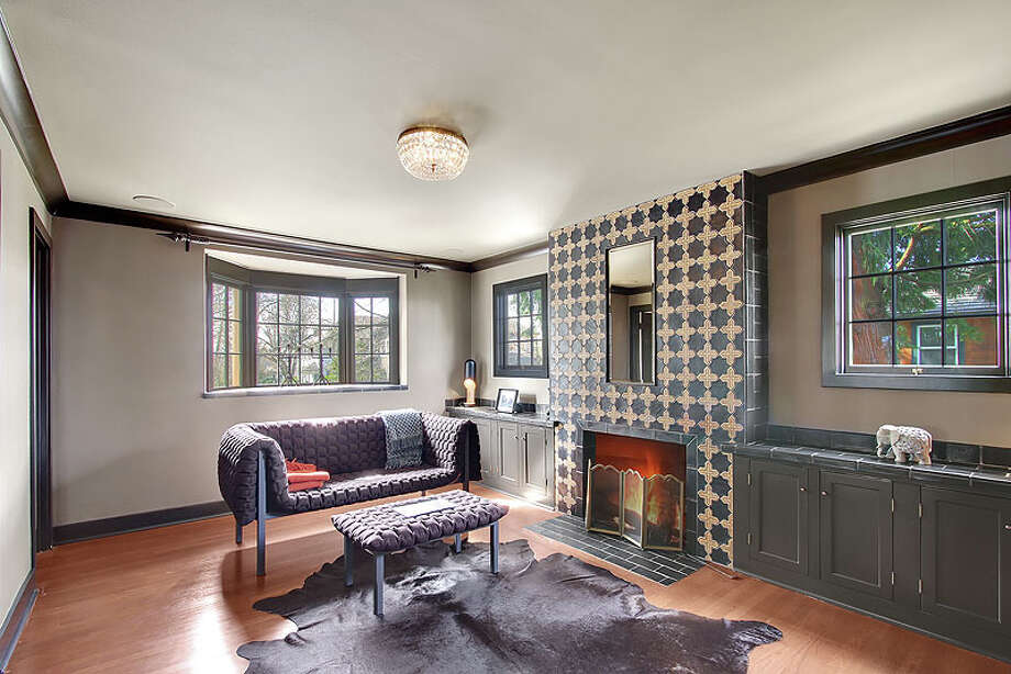 Family room of 3822 S. Court St. It's listed for $960,000. Photo: Jenni Jenkins With Vicaso, Courtesy Adam Morrow, Sound Counsel Realty