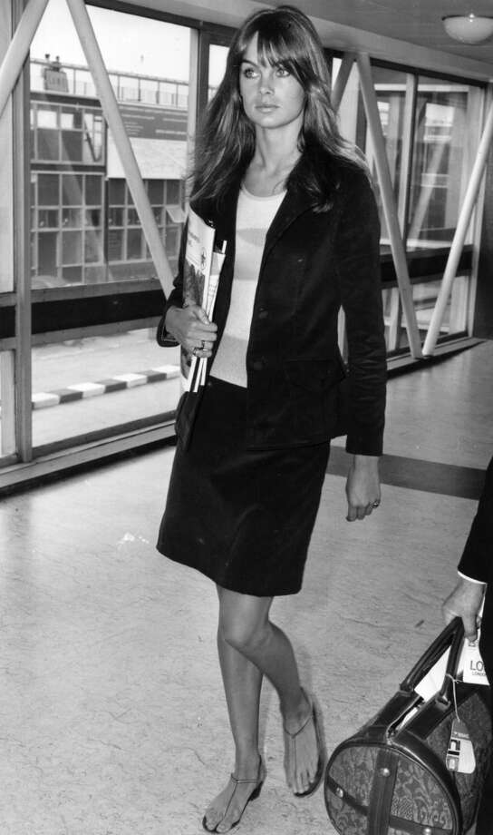 Fashion model Jean Shrimpton arriving at Heathrow Airport. Photo: Evening Standard, Getty Images