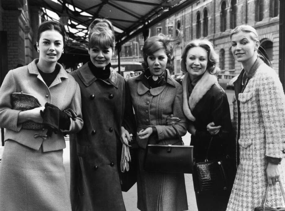 Franciose St Laurent, Fanny Kholer, Sophie Chudde, D Patisson and Kate Noel, arrive in London from France for a fashion show in 1964. Photo: Fox Photos, Getty Images