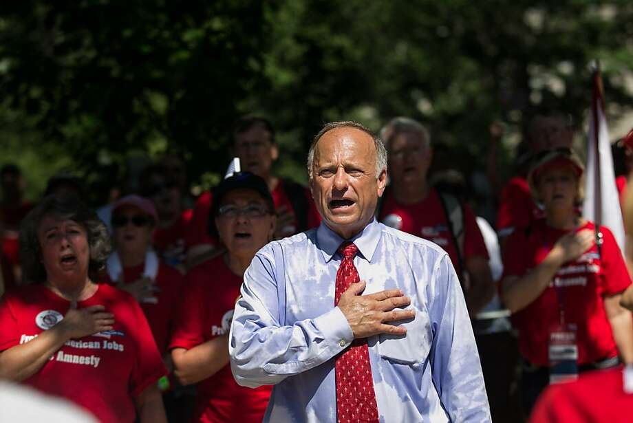 Rep. Steve King sings the national anthem at an anti-immigration rally. Photo: Drew Angerer, Getty Images