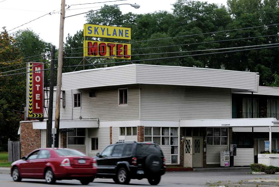 The Skylane Motel on Wednesday, Sept. 16, 2009, in Colonie, N.Y. The motel has been home to registered sex offenders. (Cindy Schultz / Times Union) Photo: CINDY SCHULTZ / 00005537A