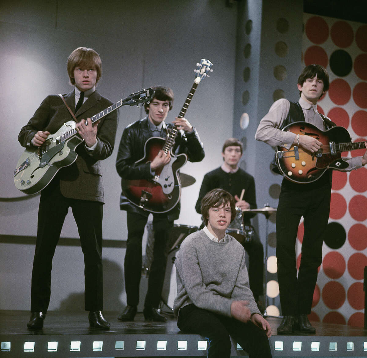 The Rolling Stones, 1963. Left to right: Brian Jones (1942 - 1969), Bill Wyman, Mick Jagger, Charlie Watts and Keith Richards.