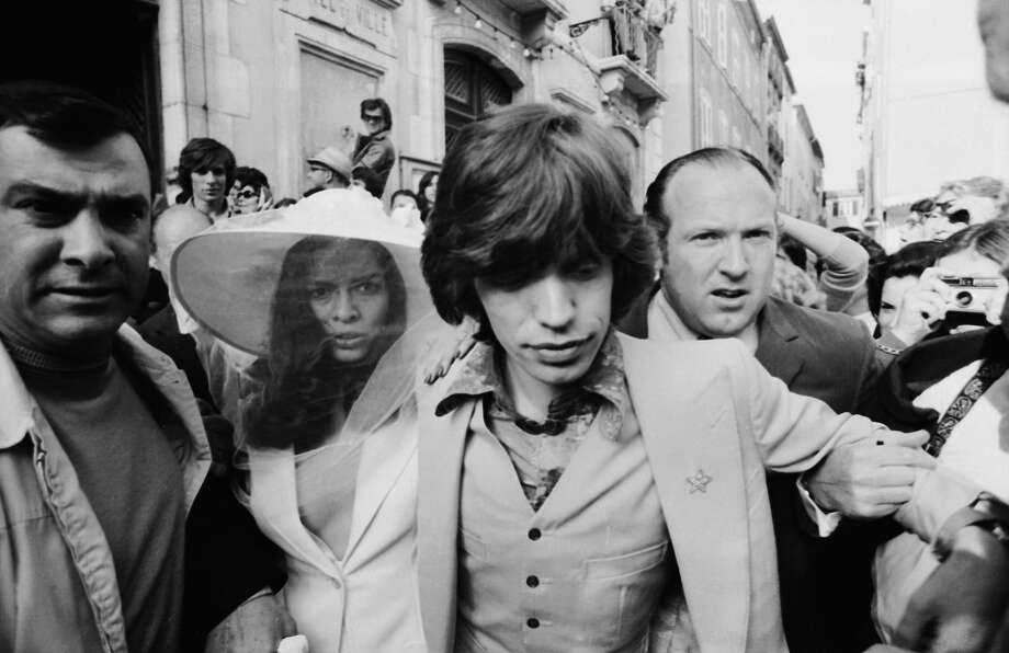 Mick and Bianca Jagger outside the town hall in St Tropez after their wedding, 14th May 1971. Photo: Reg Lancaster, Getty Images / 2006 Getty Images