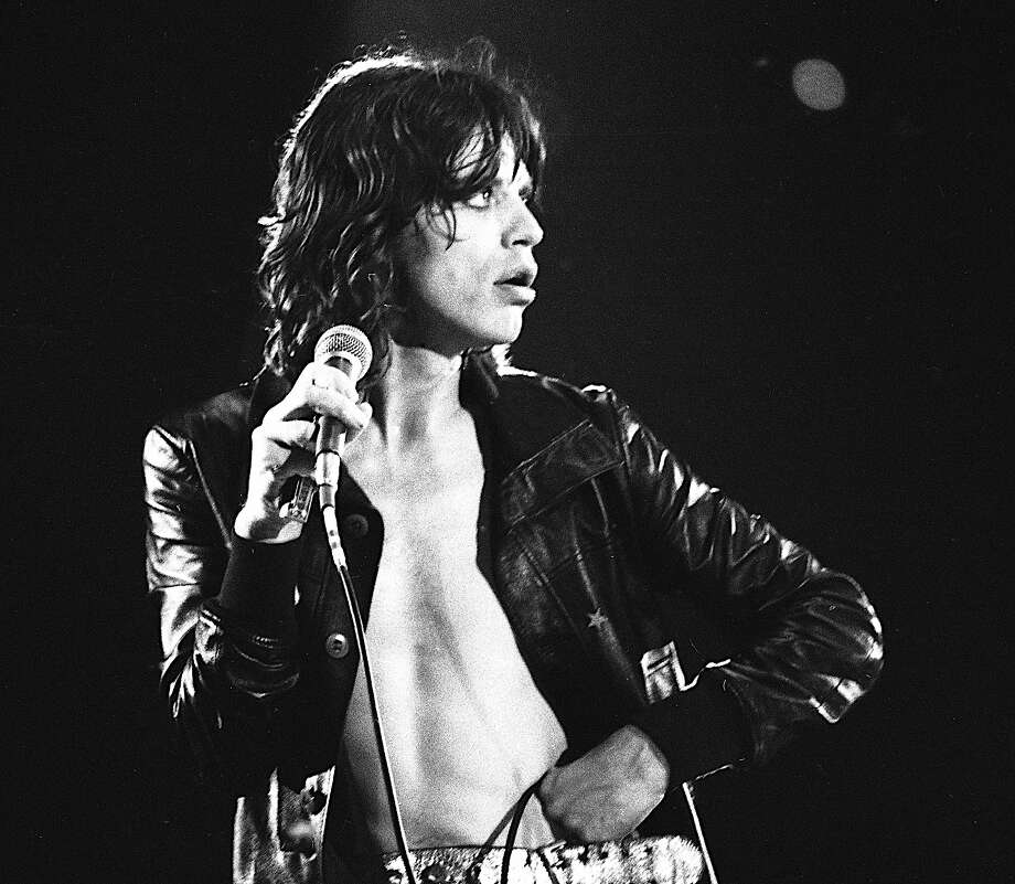Mick Jagger performs with the Rolling Stones at The San Antonio Convention Center, Texas, 6th March 1975. Photo: Michael Brennan, Getty Images / 2013 Michael Brennan