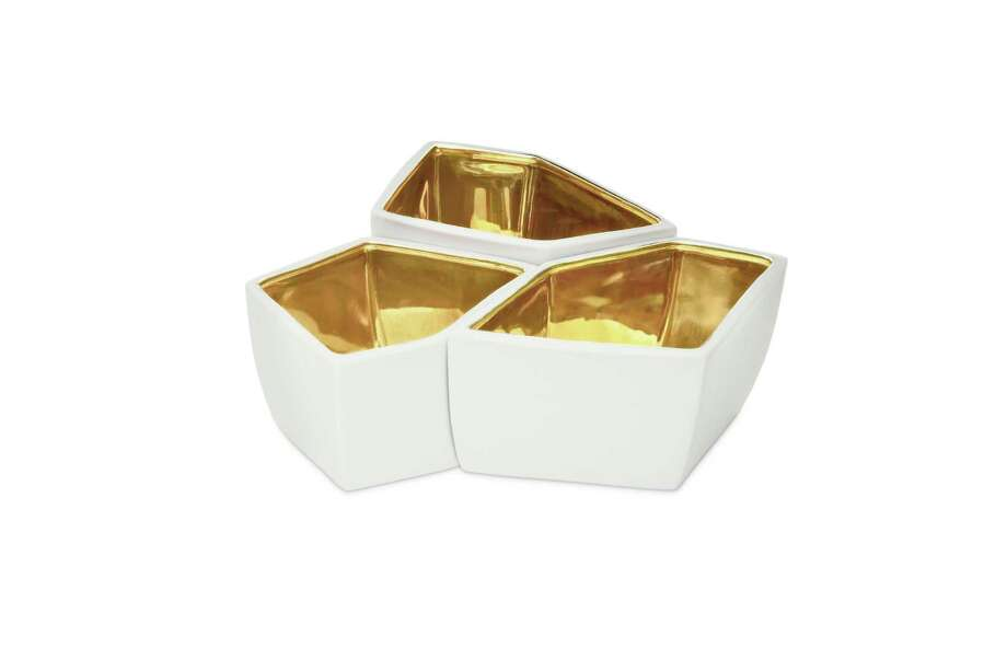 Aerin Lauder's Geo bowls are made of porcelain then either dipped or painted with 18K gold. Photo: HOEP / Aerin.com