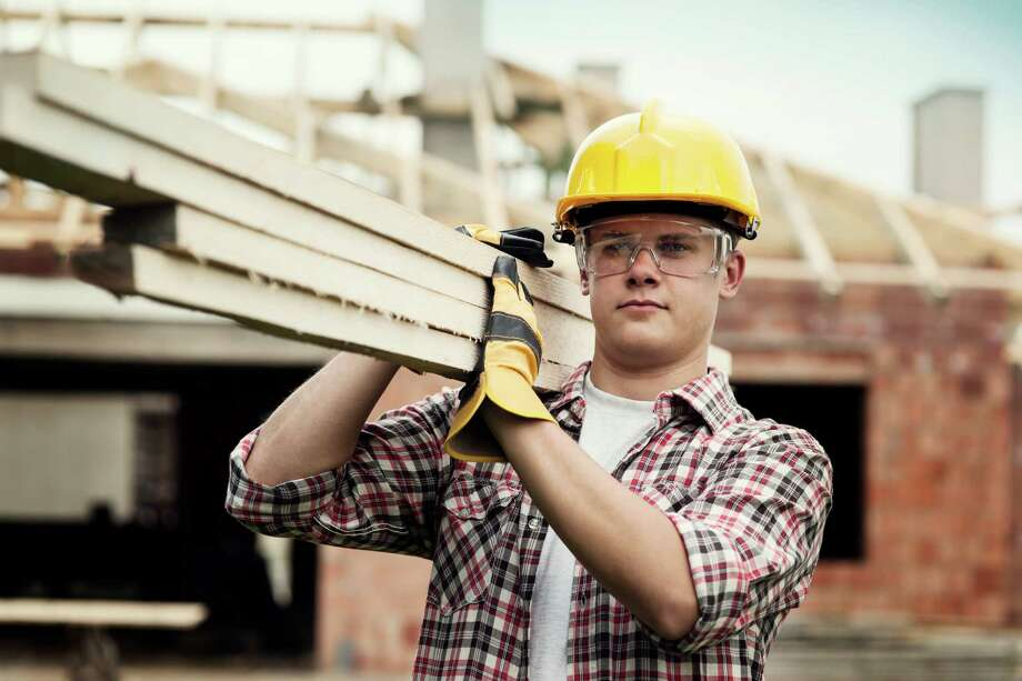 Construction managerMedian hourly wage: $39.80Projected growth by 2022: 16 percentSource: CareerCast / iStockphoto