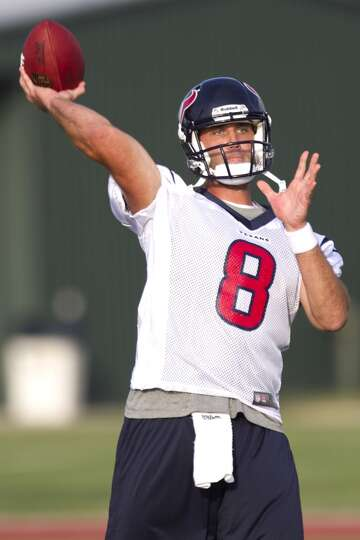 Matt Schaub throws a pass.