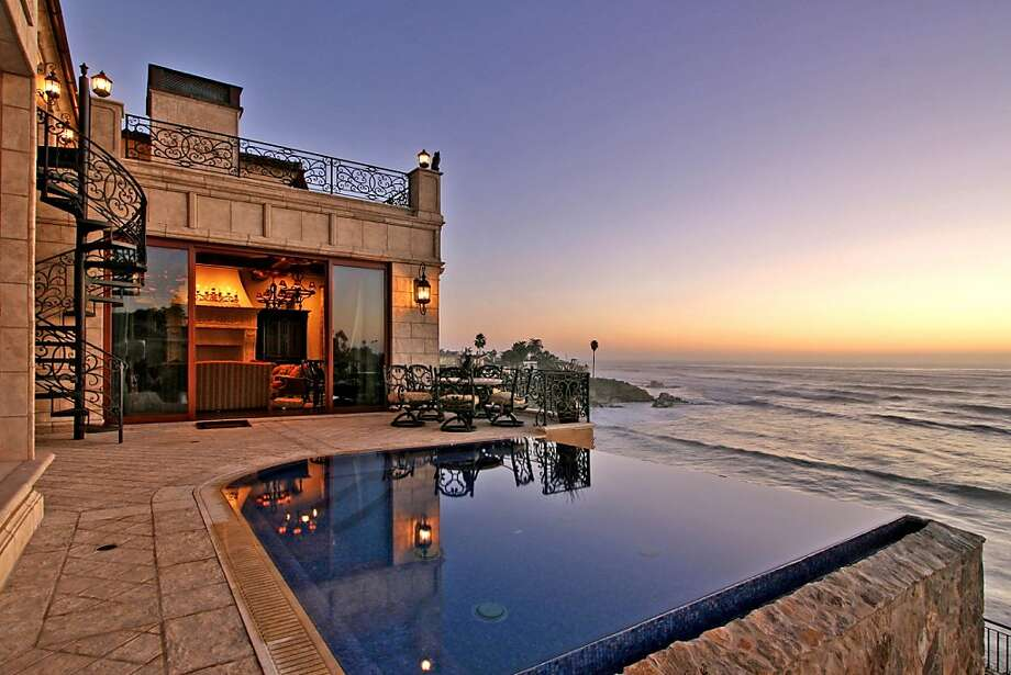 Camino de la Costa is an oceanfront home in La Jolla available for $16.9 million. It features an infinity pool overlooking the Pacific Ocean. Photo: PreviewFirst