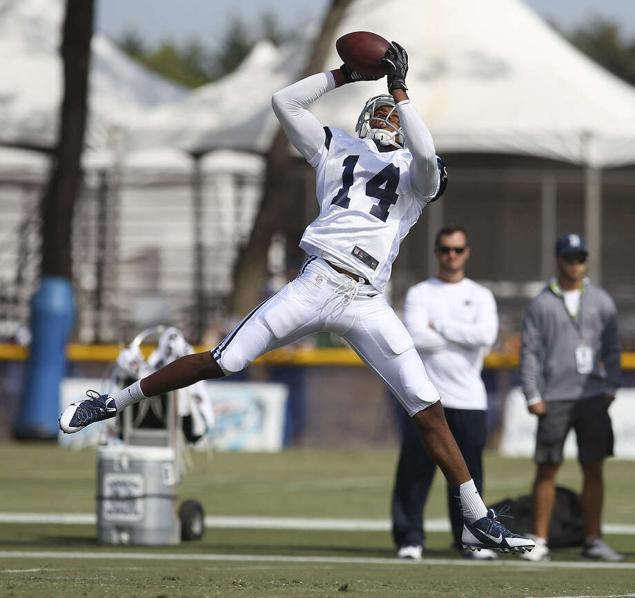Free-agent rookie receiver Eric Rogers is a longshot to make the Cowboys, but he has impressed the coaches with his work ethic. Photo: Kin Man Hui / San Antonio Express-News